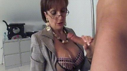 housewife cumshot